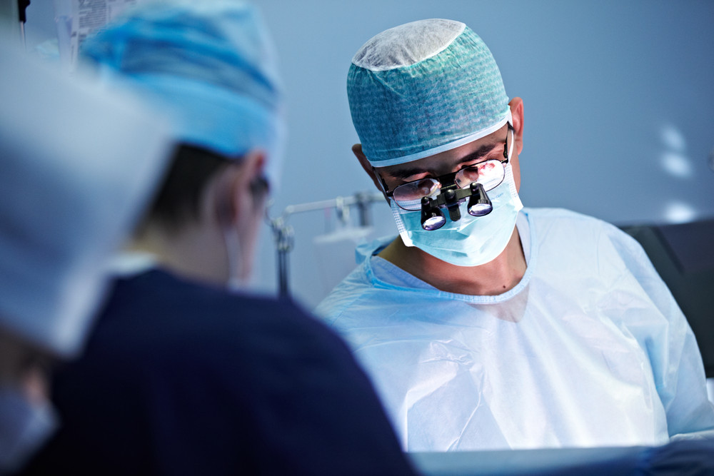 The Difference Between Plastic and Cosmetic Surgeons